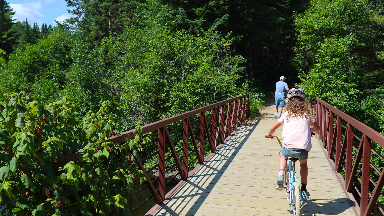 Rent a Bike & Breeze along the Old Algonquin Railway