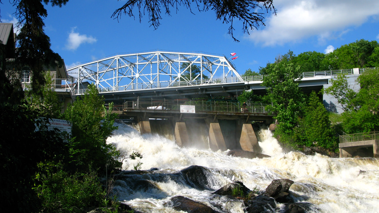Bracebridge Falls - Best Places to Visit in Canada