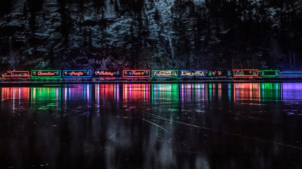 CP Holiday Train in MacTier