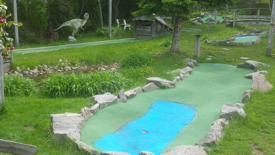 Northern Escapades Mini Putt