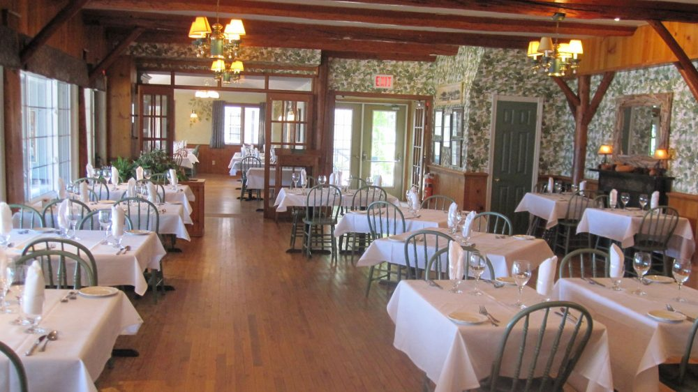 Fine Country Dining in one of Muskoka's Historic Lodges